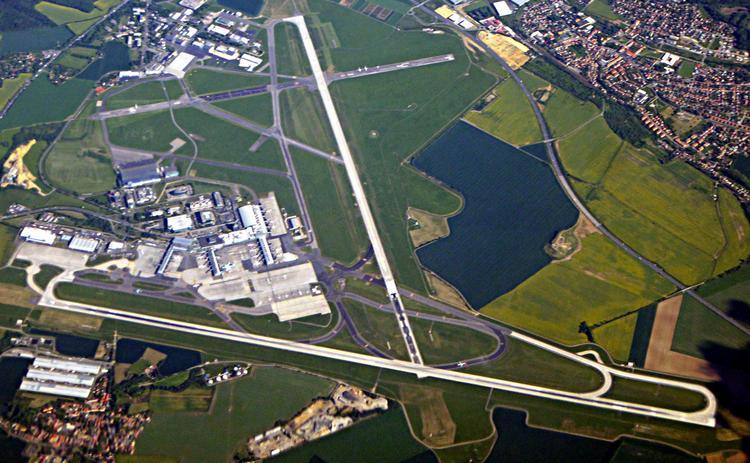 В Праге улучшат главный аэропорт страны. Для этого осталось добыть немного денег — 2 миллиарда евро, Туристам Коломны, Чехия виза аэропорт