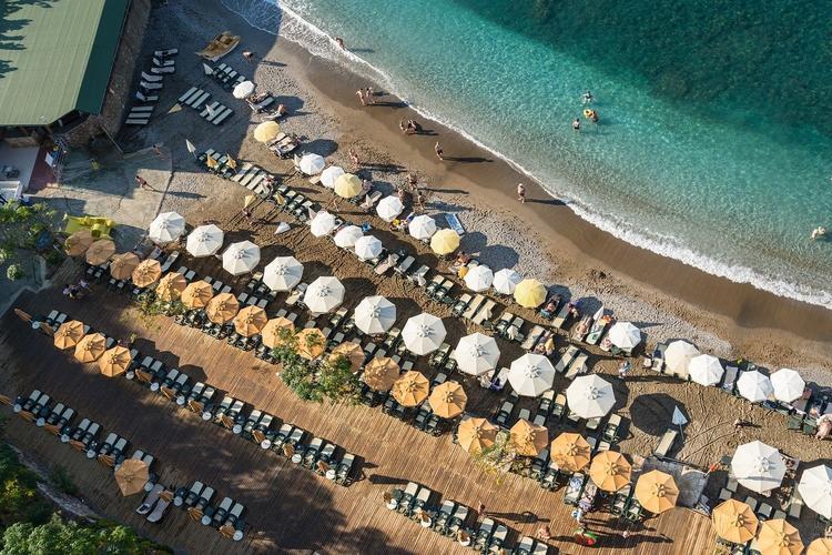 Какая страна первой откроет курорты для российских туристов: Турция, Греция или Кипр?
