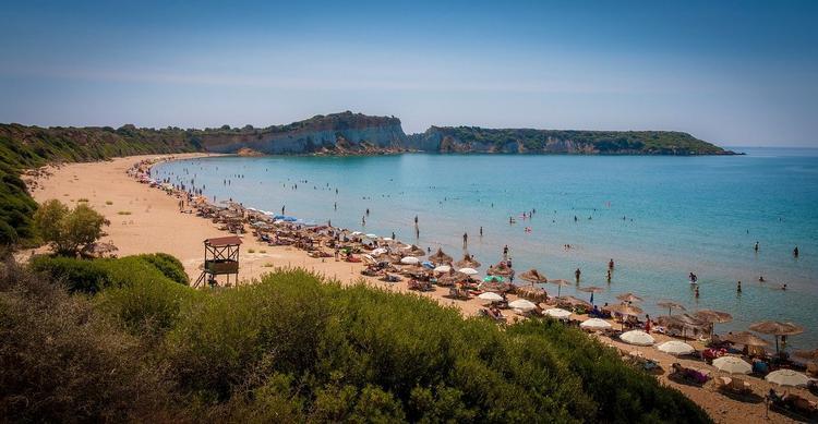 На греческих островах введены новые ограничения после злополучного рейса с туристами