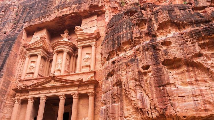 Иордания отменила 7-дневный карантин для туристов, платные тесты остались