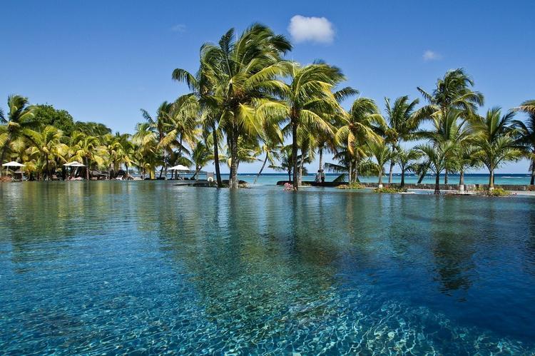Маврикий до конца 2021 года откроет границы для иностранных туристов