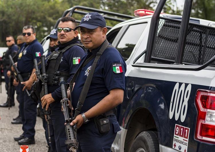 Власти Мексики не планируют проверять наличие сертификатов вакцинации у туристов