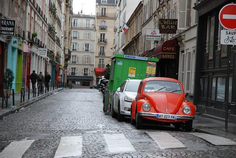 В Париже ограничили максимальную скорость движения автомобилей